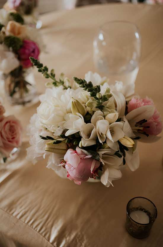Table floral decorations